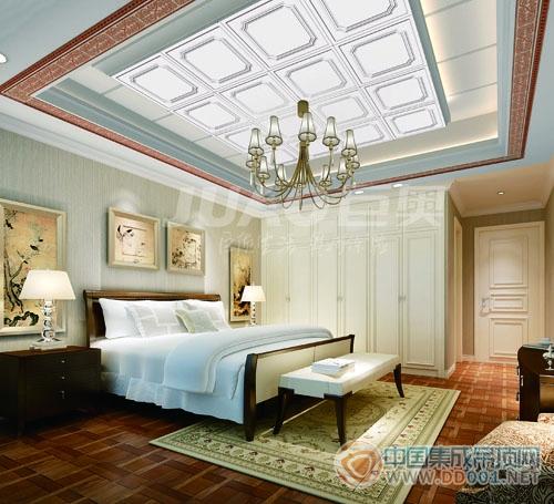 欧式卧室 装修在卧室家具上会以质地上好的胡桃木
