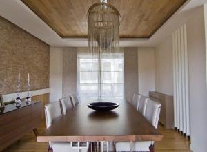 现代木质吊顶效果图,别墅家庭餐厅吊顶图片
