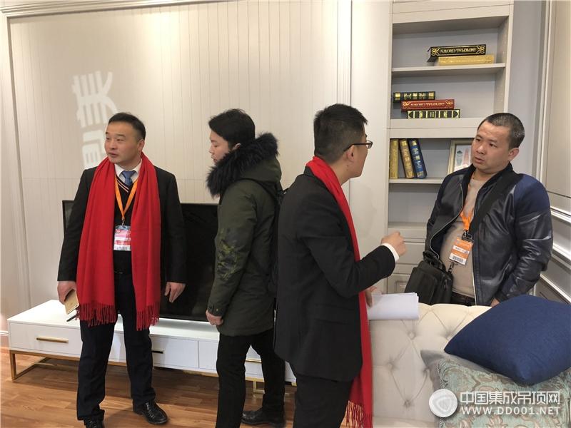 北京建博会:鼎美以创新突围,顶墙集成新品密集发布—展会现场