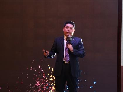 市场中心总监卢斌峰