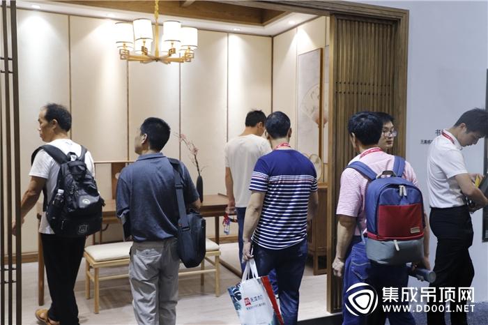 """【广州展】由顶到墙的艺术诠释,楚楚怎一个""""美""""字形容得了!"""
